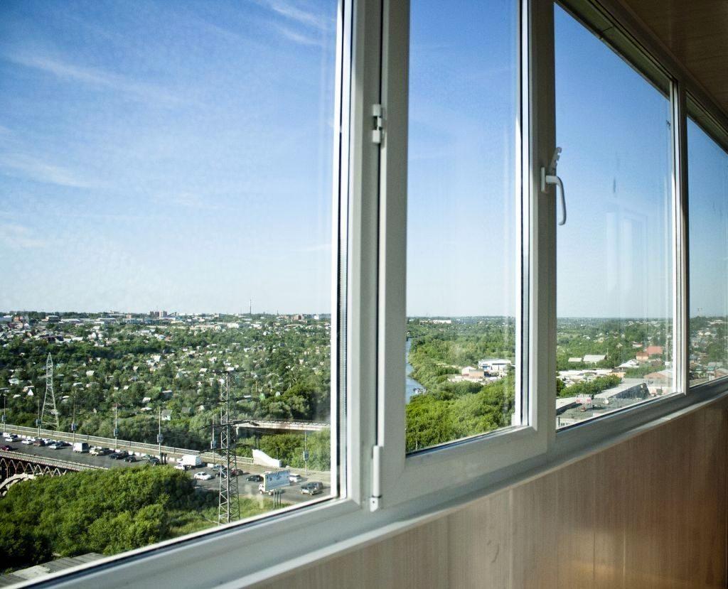 Теплое остекление балкона 6 метров, с энергосберегающим паке.